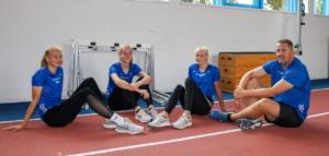Ciara Niemann, Hilke Thamke und Lea Führer mit Trainer Carsten Hodea